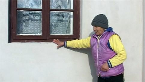 geam spart la familia fetitei ,oarta in accident