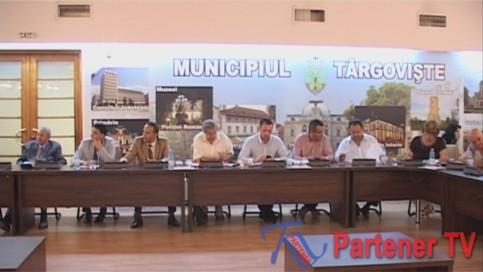 Consiliul Local  Municipal Târgovişte s-a reunit  în şedinţă extraordinară