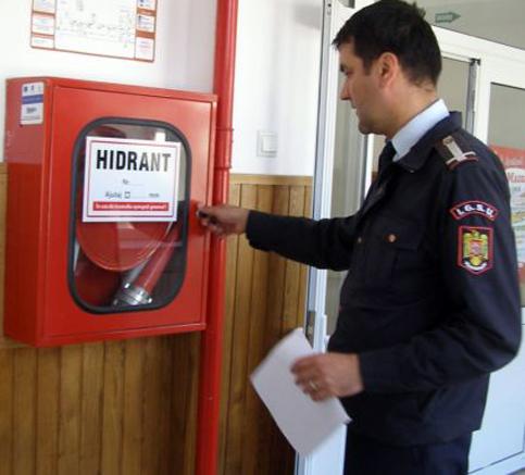 pompieri verifica hidranti