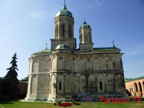 Mănăstirea-Dealu-