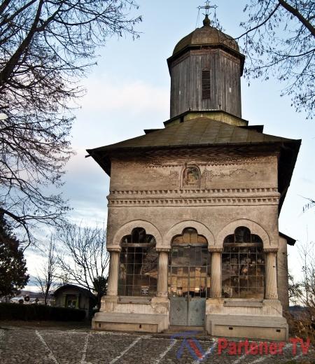 biserica-brancoveneasca-doicesti (1)