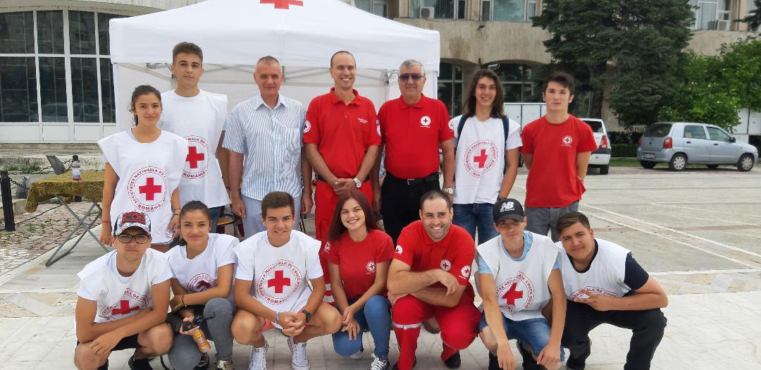 De-a lungul istoriei sale, Crucea Roșie Română şi-a oferit sprijinul ori de câte ori ţara s-a confruntat cu situaţii de război, epidemii sau dezastre. Întreaga activitate se bazează pe voluntariat.
